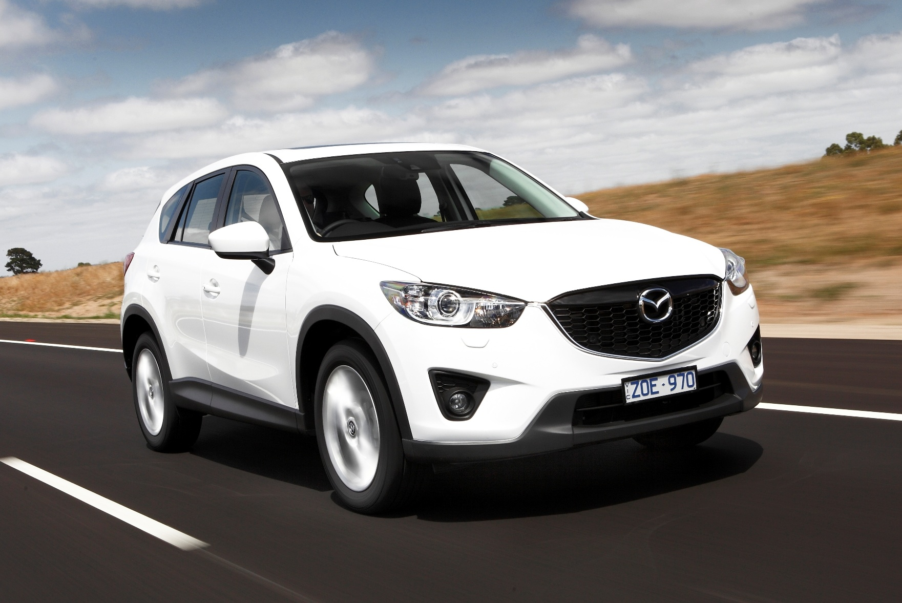 Mazda-CX-5-front-side-driving